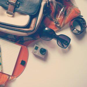 viaggio-viaggiatore-valigia